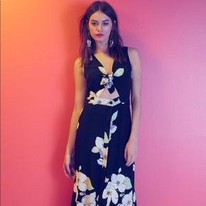 Leith Floral Front Tie Midi Dress